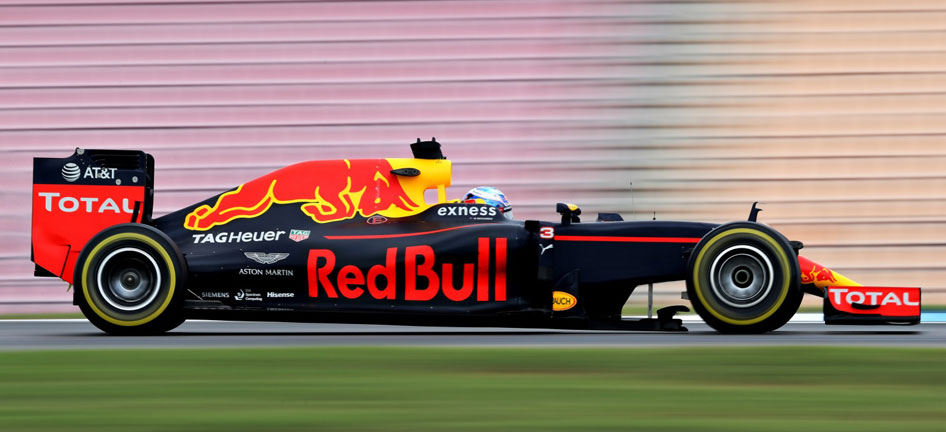 /content/dam/sites/sponsorships/red_bull_racing_side_946x432.jpg