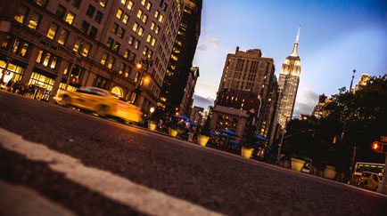 /content/dam/snrprivate/2015/October 2015/new_york_buildings_traffic_cars_1x2.jpg