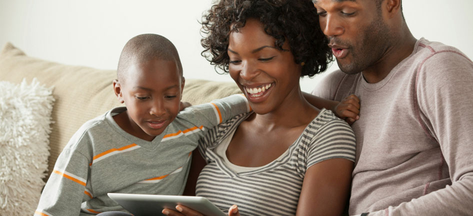 family_watching_tablet_946x432.jpg