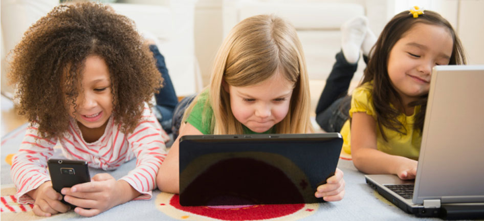 kid_girl_phone_tablet_fiber_946x432.jpg